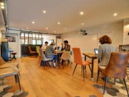 12 postes en coworking à La Filature