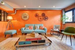 Le salon est un espace séparé pour activité pour des conf call ou bien team building comme escape game spécial La Filature
