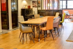 Table jointes pour des petits groupes de travail