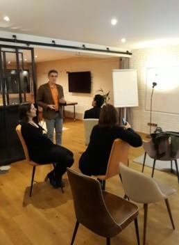Petits groupes de parole pendant l'atelier